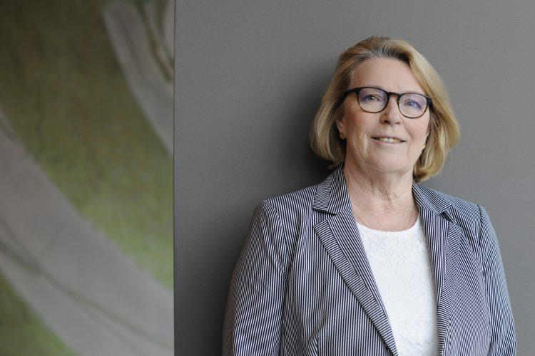 Abbildung von Frau Küppers (Vrostand Deutscher Frauenrat)